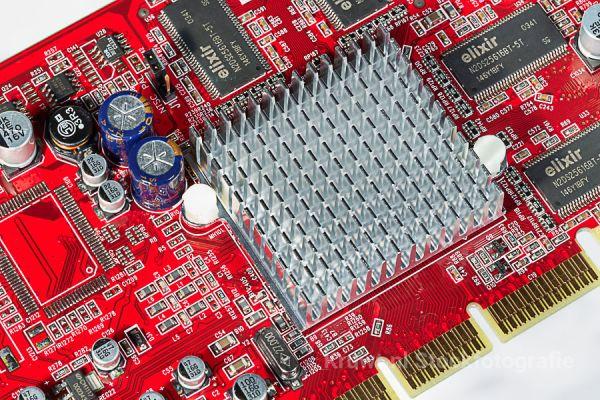 computer-04B8E2B00F-4B7E-77AA-589A-0223B3353AFE.jpg