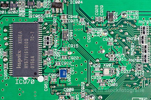 computer-08AD323EB2-956F-F0B1-0D15-311B6EDA6AEB.jpg